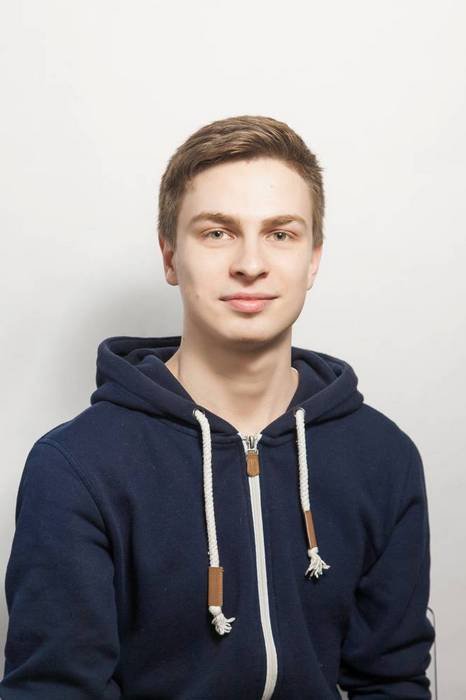 Курьер Евгений Князев